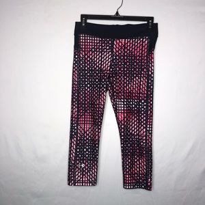 Under Armour Pink and Navy Capris Size Medium